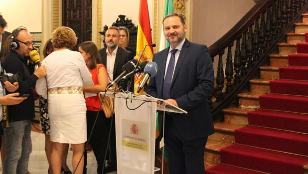 El ministro de Fomento ha anunciado la llegada del AVE en Granada.