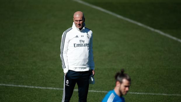 Zidane en el entrenamiento del Real Madrid de este viernes