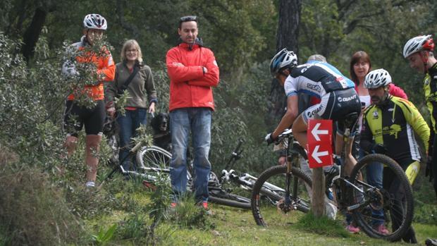 Imagen de un corredor en la Andalucía Bike Race