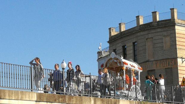 La hermandad del Rocío de Puente Genil parte con su Simoecado hacia la aldea del Rocío en Huelva