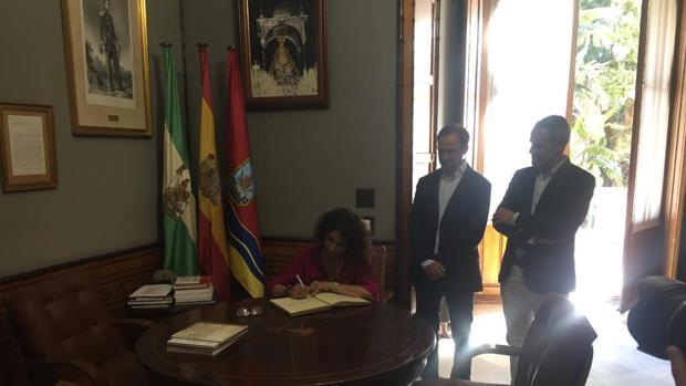 María Jesús Montero adelantaba este mes de agosto en su visita a Sanlúcar la implicación del Gobierno central