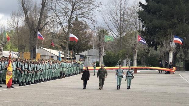 La ministra pasó revista a las tropas en Ronda