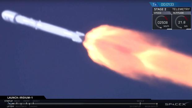 El cohete Falcon 9 despega con éxito de la base aérea de Vandenberg, en California