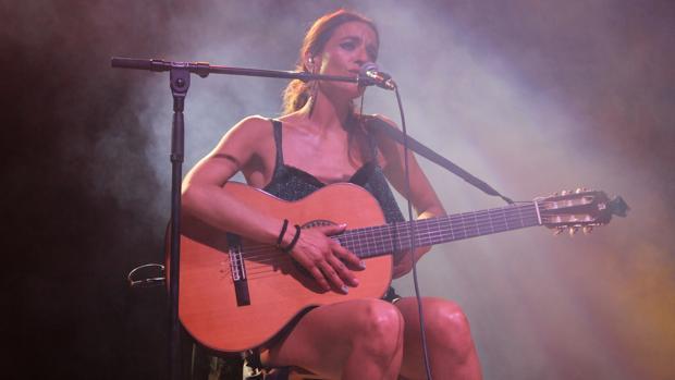 La cantante y compositora Bebe, durante su concierto en Sevilla
