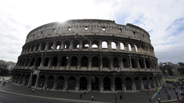 Vista exterior del Coliseo, en Roma