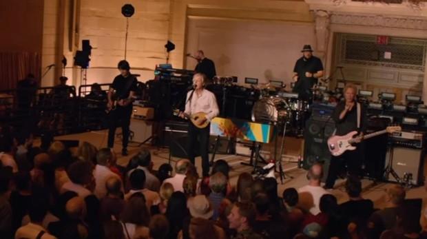 Paul McCartney durante su actuación sorpresa en la Grand Central Station de Nueva York