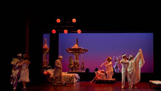 Una escena de la producción de «Tres sombreros de copa» dirigida por Natalia Menéndez