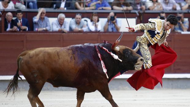 Tomás Campos fure prendido hasta dos veces por el tercero de la tarde