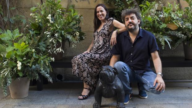 Constanza Lechner y Antonio Serrano posan para ABC