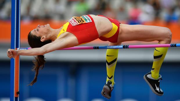 Ruth Beitia en un salto de la clasificación