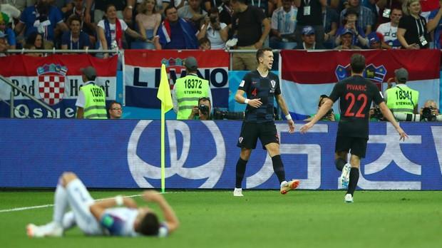 Los jugadores de Croacia celebran el gol de Perisic frente a Islandia
