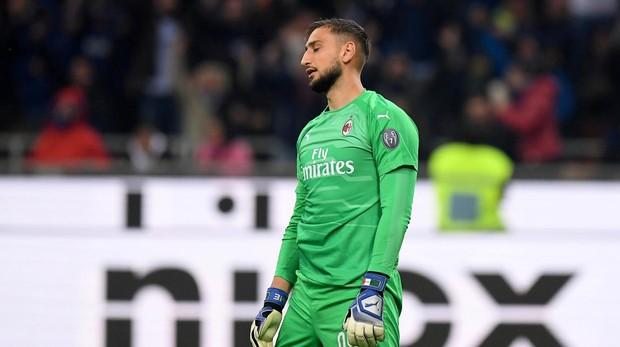 Donnarumma se lamenta tras su error en el derbi contra el Inter