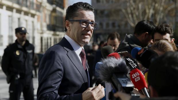 Josep Vives, portavoz del club, presentó ayer la encuesta de satisfacción