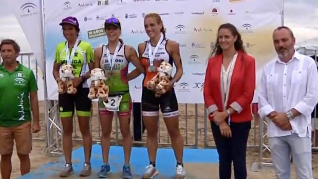 Imagen del podio de categoría femenina.