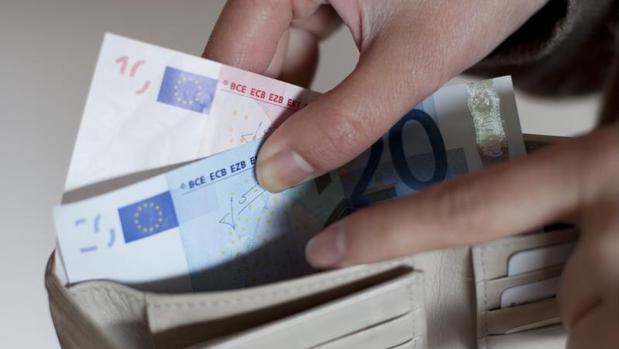 Los pagos con tarjeta aumentan más que la retirada de efectivo