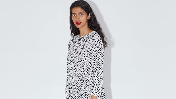 El vestido de lunares estampado de Zara que se ha vuelto viral en el Reino Unido