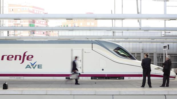 Imagen de archivo de un AVE Madrid-Valencia