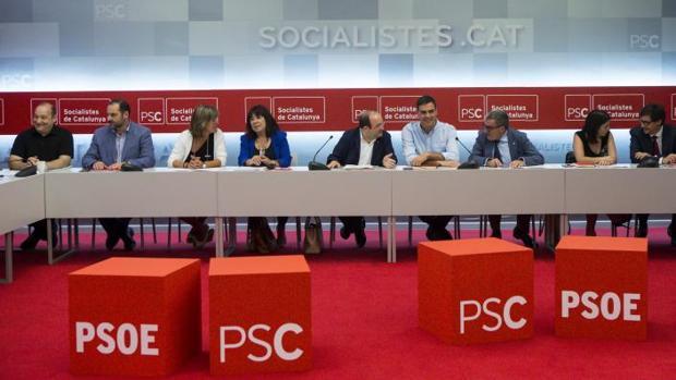 Iceta y Sánchez, esta mañana durante la reunión en Barcelona de las ejecutivas de PSC y PSOE
