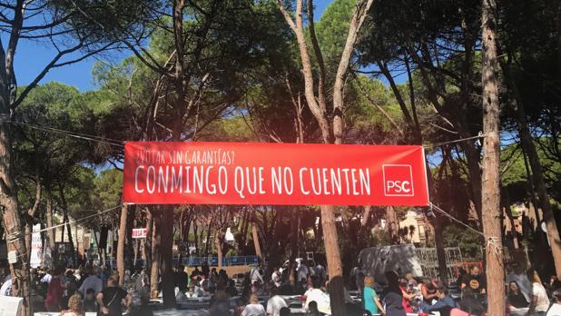 El cartel con el lema del PSC que ha hecho reaccionar a Gabriel Rufían