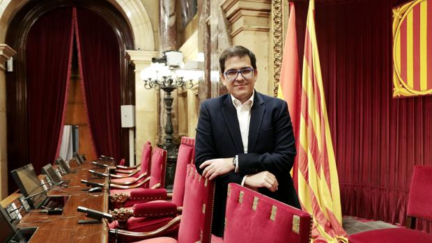 José María Espejo (Ciudadanos), delante de la silla de vicepresidente segundo de la mesa del Parlament, cargo que ocupó en la última legislatura