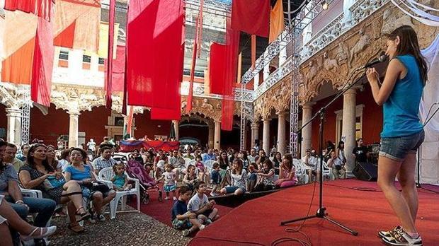 Una de los 1.425 narradores que participaron en el Maratón del año pasado en el Palacio del Infantado