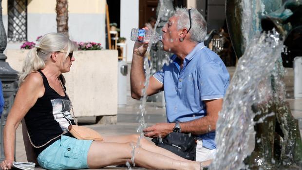 Imagen de archivo de dos turistas tomada en el centro de Valencia