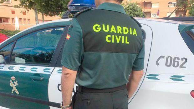 Tras localizar el cuerpo, se dio aviso a la Guardia Civil