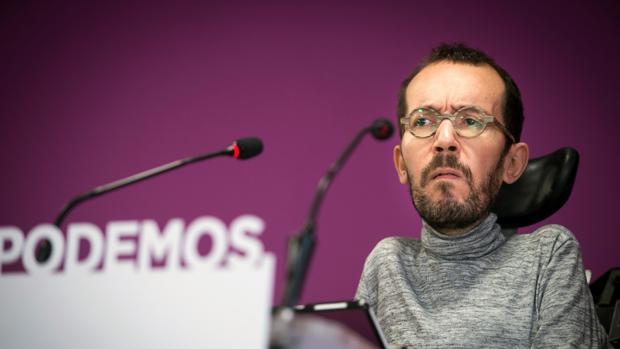 El secretario de Organización de Podemos, Pablo Echenique, en rueda de prensa tras el Consejo de Podemos el martes