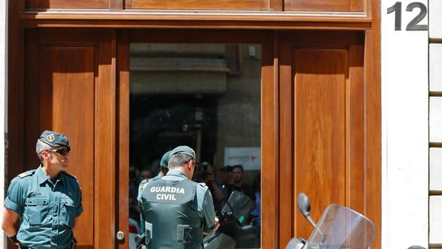 Imagen de la vivienda en la que fue detenido Eduardo Zaplana y en la que se centran las sospechas del blanqueo
