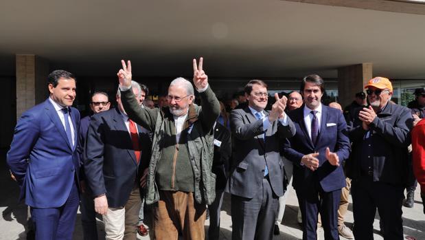 Santiago Iturmendi, presidente de la Federación de Caza de Castilla y León, celebra el paso dado en las Cortes para la nueva ley