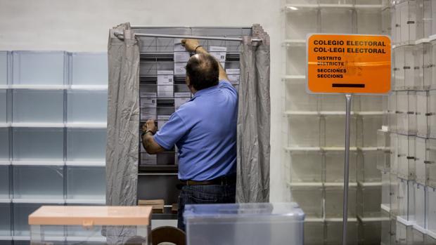 Imagen del almacén electoral de Valencia