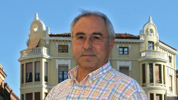 El escritor salmantino José Luis Puerto