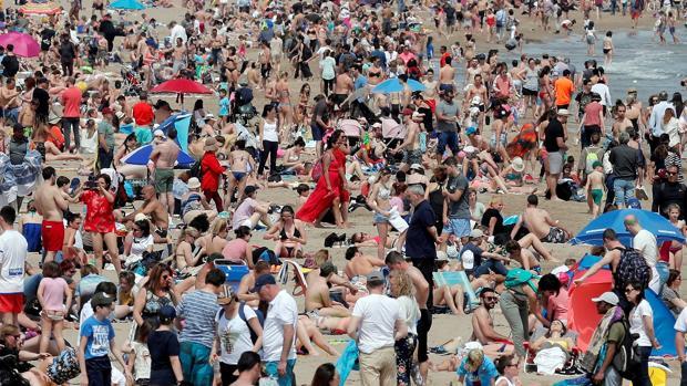 Imagen tomada este domingo en la playa de Las Arenas de Valencia