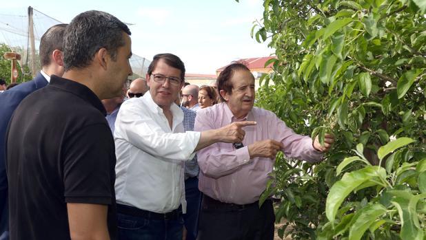 Alfonso Fernández Mañueco junto a Juan José Lucas en El Burgo de Osma (Soria)