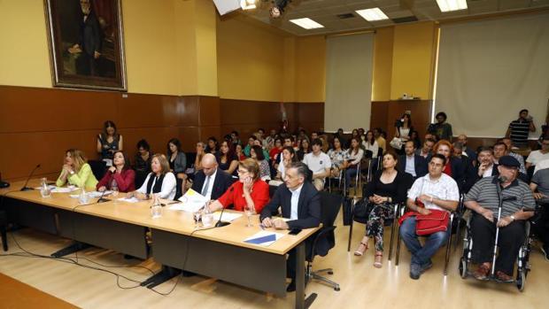 Directivos de Hidraqua junto a participantes en el Reto Innovación Social 2019