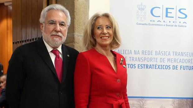 Porro, junto a Miguel Santalices, durante la presentación de la memoria del CES el pasado febrero