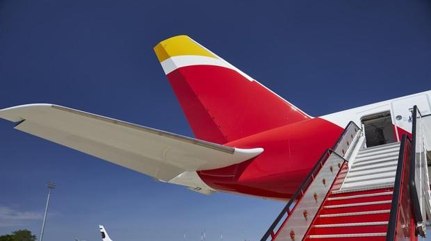 El Airbus 350 de Iberia, durante su presentación, este viernes 7 de junio
