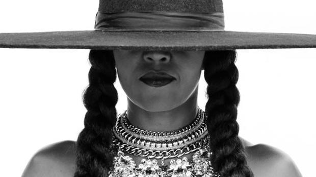 Michelle Obama imitando a Beyoncé en su último single, «Formation»