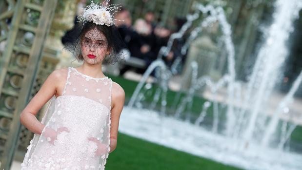 Un momento del desfile de Chanel