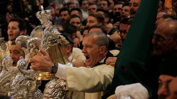 Foto de Antonio Banderas disfrutando de la Semana Santa