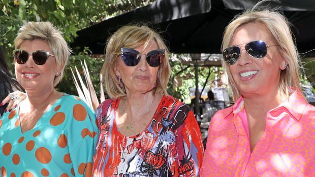 Terelu Campos, María Teresa Campos y Carmen Borrego en la celebración del cumpleaños de la presentadora