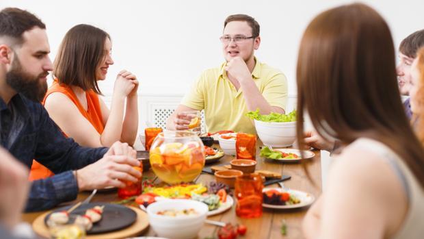 En las cenas de empresa corremos el riesgo de cometer excesos.