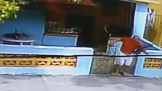 La escalofriante venganza de un exmilitar en YouTube