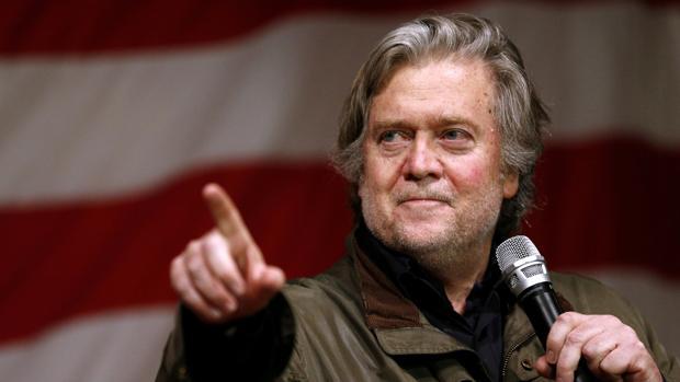 Bannon durante una reciente campaña a favor de Roy Moore en Alabama