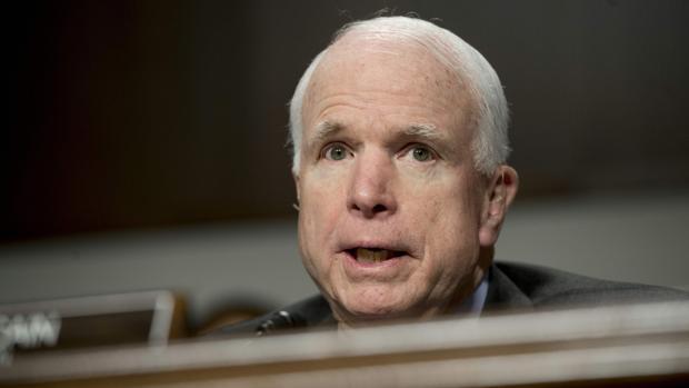 El senador estadounidense John McCain