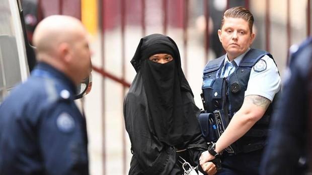 Momena Shoma, en la corte por cargos de terrorismo
