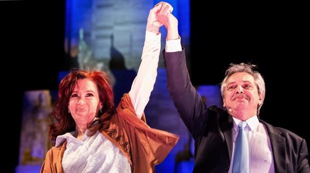 Alberto Fernandez y Cristina Fernández de Kirchner en el cierre de la campaña antes de las primarias