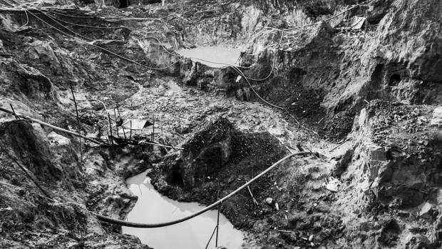 Panoramica de devastación y contaminación en una mina del estado Bolívar en las cercanías del rio Cuyuní