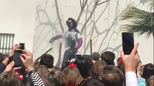 El muñeco que representaba a Ana Julia Quezada en Coripe