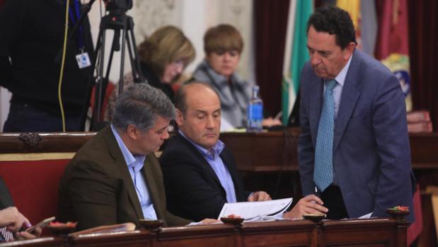 El Pleno ha contado con las ausencias de Teófila Martínez y Mercedes Colombo, que han entregado sus actas.
